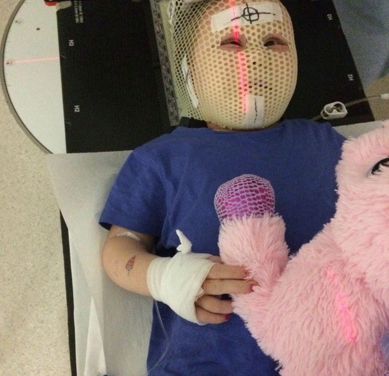 Emma bei der Bestrahlung